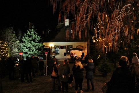 Christmas in Zagreb The Courtyards Advent Event Dvoriste Palace Vojkovic