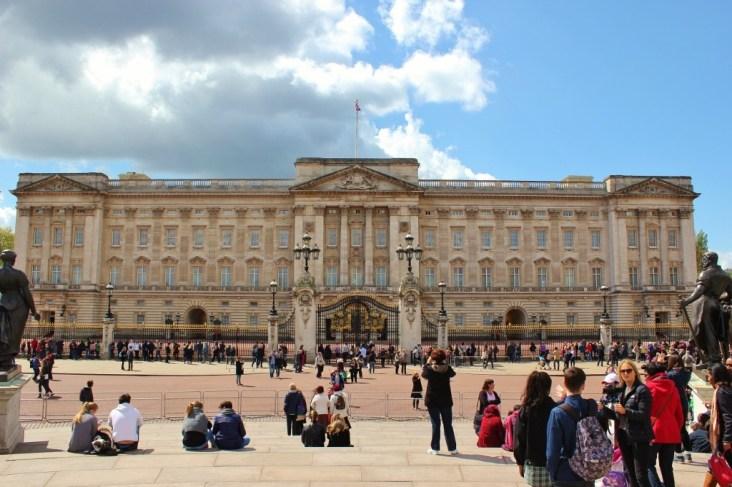 Buckingham Palace, London, England, jetsettingfools.com