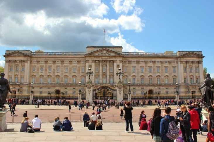 Buckingham Palace, London, England, jetsettingfools.com