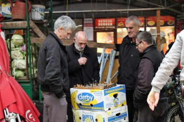 Men play chess, Bit Pazar, Old Bazaar, Skopje, Macedonia
