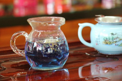 Blue Lemongrass and Butterfly Pea Tea at Suwirun Tea Shop in Chiang Rai, Thailand