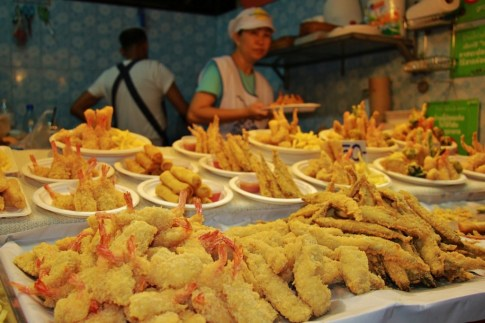 Tempura meat and vegetables at the Night Bazaar in Chiang Rai, Thailand