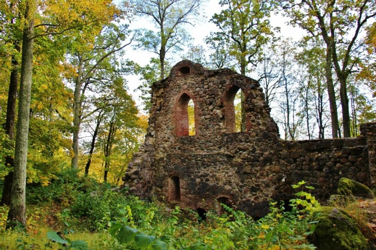 Crumblin remains of Krimulda Medieval Castle in Sigulda, Latvia