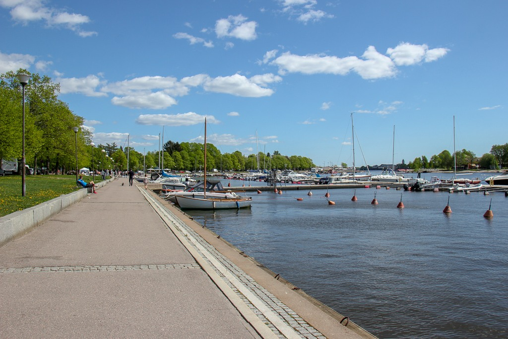 Shoreline path, Merisatamanranta, in Helsinki, Finland