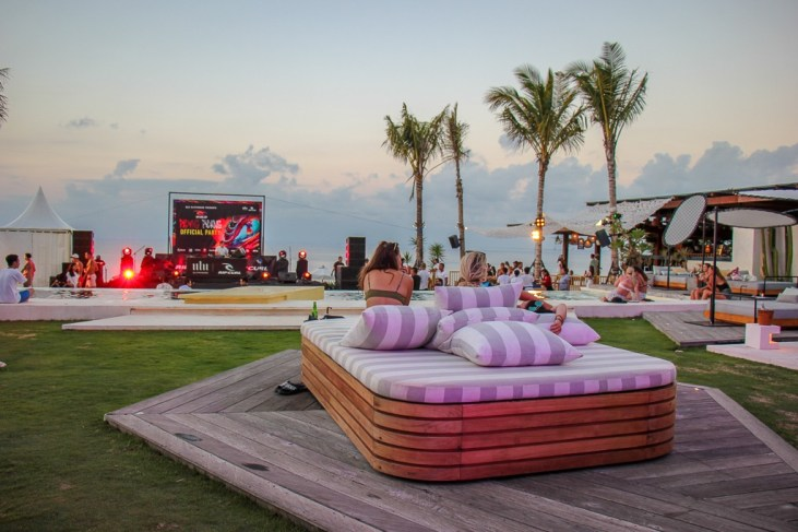 DJ and Party at Ulu Cliffhouse in Uluwatu, Bali, Indonesia