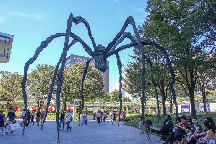 Maman spider art at Roku Roku Plaza in Roppongi Hills in Tokyo, Japan