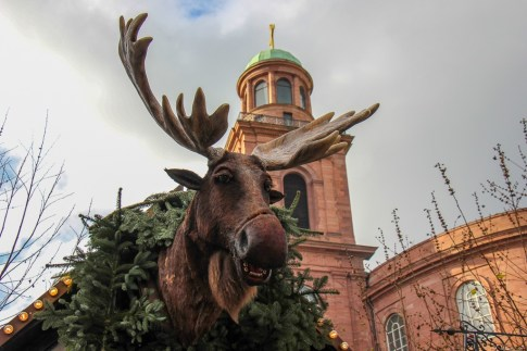 Singing Moose on Paulsplatz Christmas Market in Frankfurt, Germany