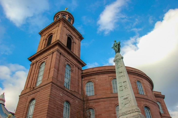 St. Paul's Church and Unity Monument on Paulsplatz in Frankfurt, Germany