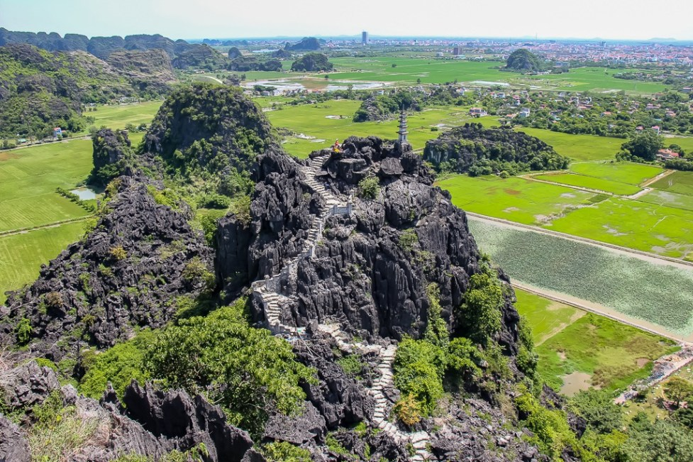 Wonderful views, Hang Mua View halfway up, Ninh Binh Province, Vietnam