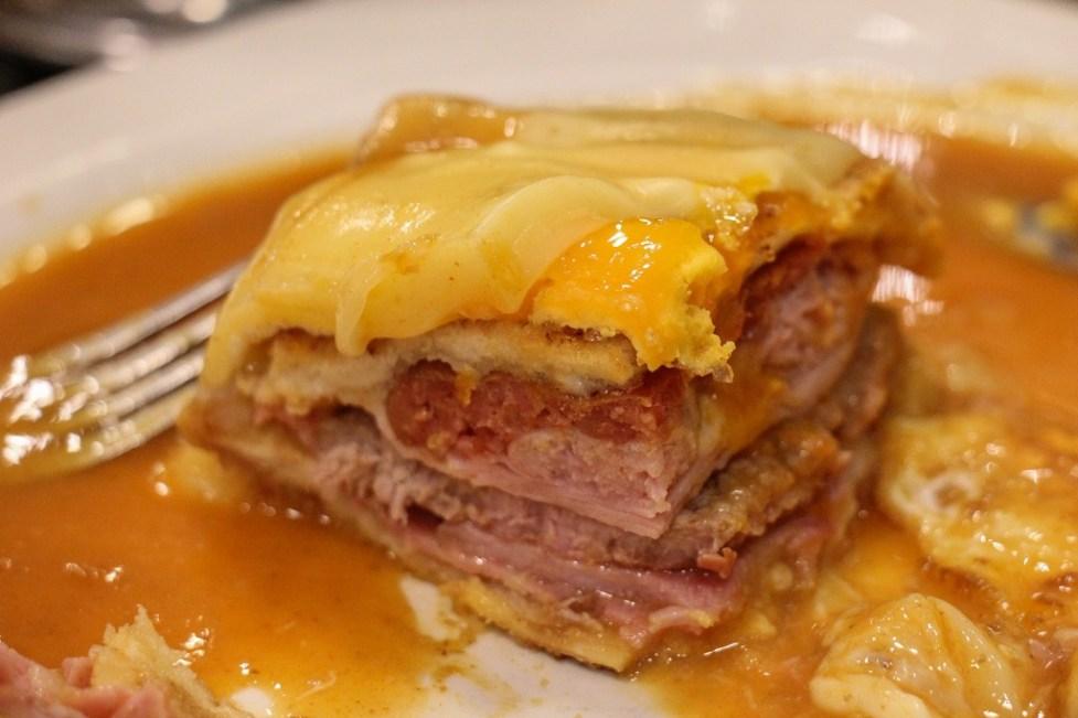 Messy and good, Francesinha Porto Sandwich