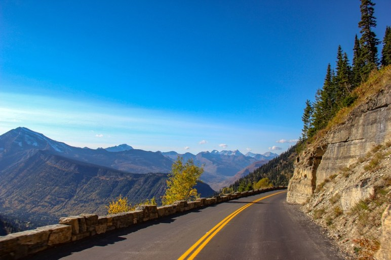 The road View on Going To The Sun Road, Montana Road Trip
