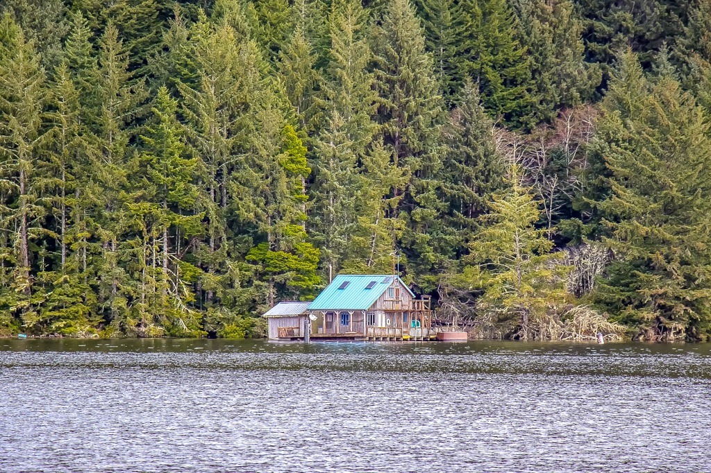 What to stay here? Lake House Near Florence, Oregon