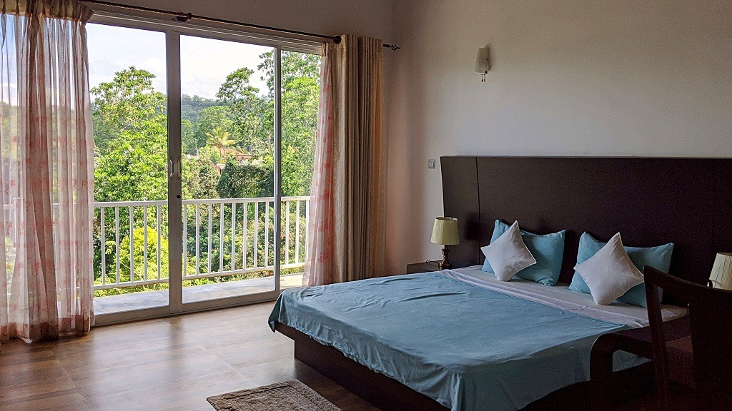 Bee View Kandy bedroom
