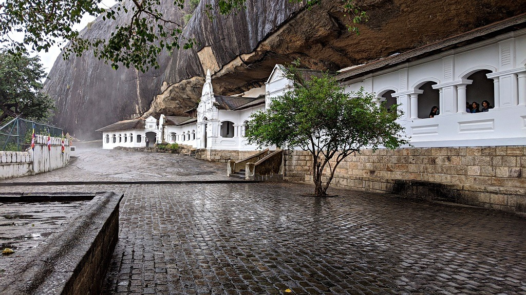 Dambula temple