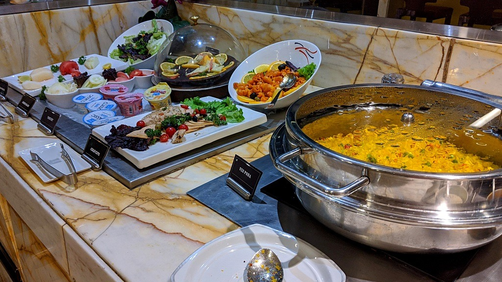 New Delhi Silverkris lounge : food