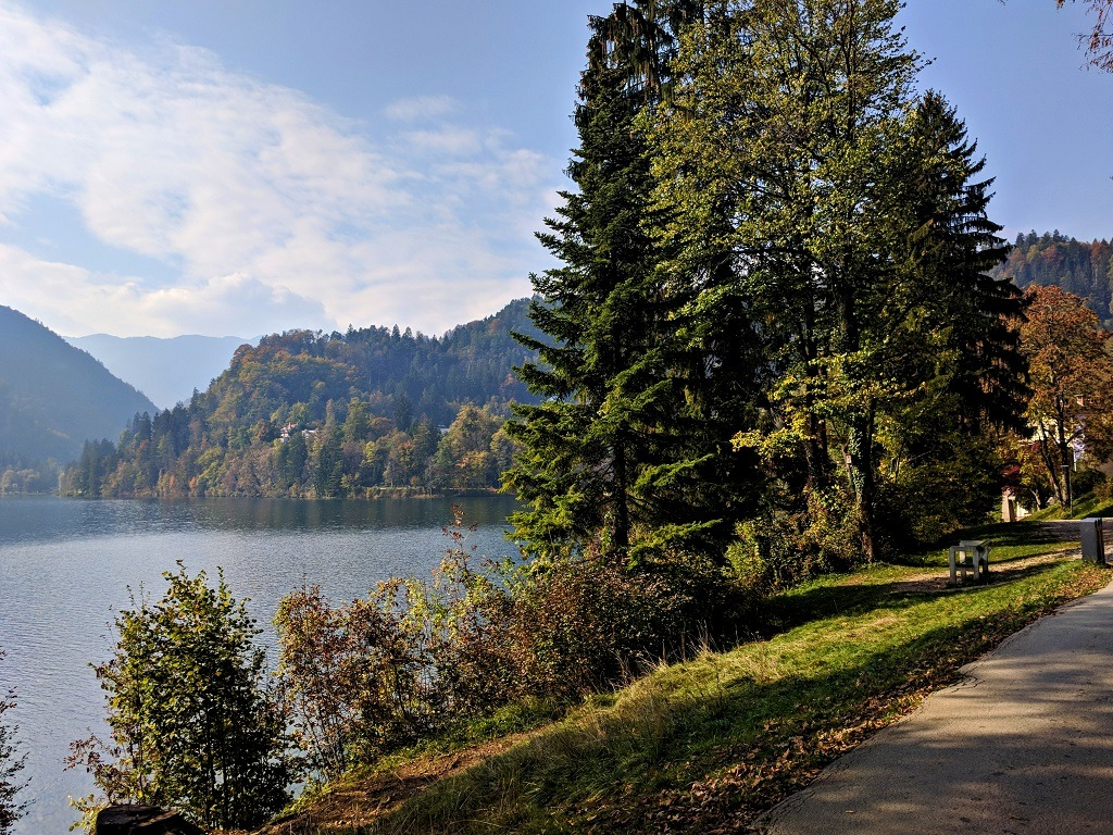 Cheapest Way To Lake Bled : Walking trail