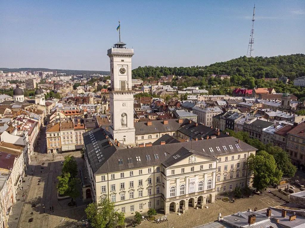 how-to-visit-lviv-town-hall-ratusha