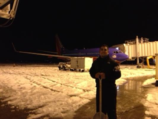 Ops agent Anthony Casas helping clear the ramp