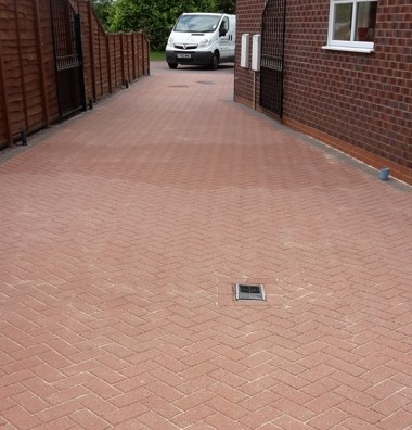 Driveway Cleaning Grimsby, Driveway Cleaning Cleethorpes, Driveway Cleaning Louth, Driveway Cleaning Scunthorpe, Driveway Cleaning Lincolnshire