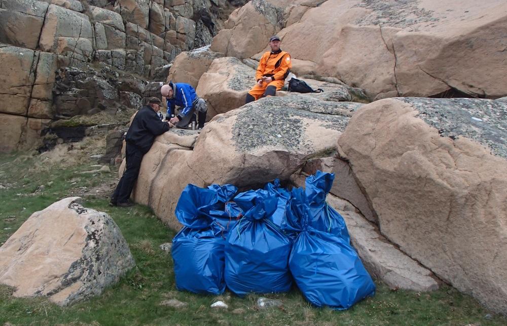 En hel del säckar fick vi ihop! Och stranden blev fin!