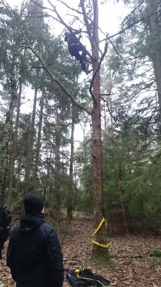 Jacob är alltid frivillig klättrare!