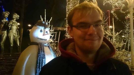 Ja, snögubben ville vara med här med!