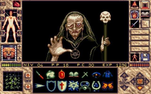 3efe5585fe37a6 L interrupteur de la pièce est situé derrière vous. Ramassez l œil de cette  sorcière (witches eye) grâce au bouton  inventaire dans la salle .