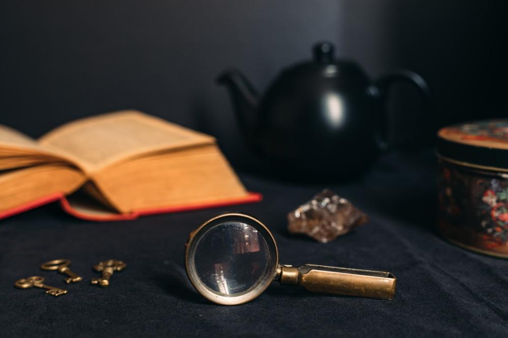 Jeu d'évasion et enquête à la Sherlock Holmes