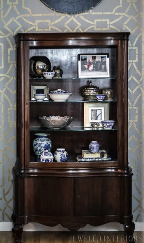 gold, stencil, dining room, formal, party, blue, white, china, silver, centerpiece, gold, bird, flowers, navy, shelfie, shelf, antique, obama, photo
