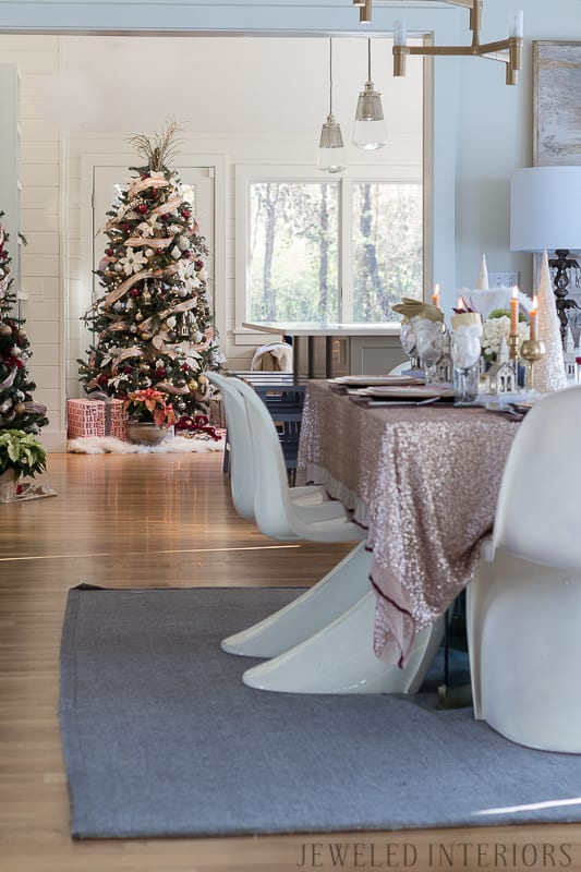 Looking for inspiration for Christmas decor? You have got to see this! Jeweled Interiors Holiday Home Tour 2017 | Burgundy Blush Christmas Decor Ideas and Tips ⋆ Jeweled interiors, wreaths, Christmas, holiday, tree, decor, decorations, stockings, ideas, DIY, inspiration, burgundy, blush, red, maroon, wine, home, dining room, cranberries, glam, chic, peach, gold, black, white, ornaments, dalmation print, ribbon, champaign, houses, sequin, tablecloth, burliegh, william-sonoma, placesetting, tablescape,