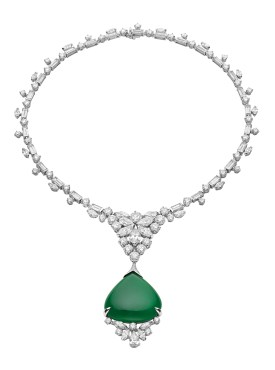 High Jewellery necklace in white gold with 1 pear shpard cabochon cut Jadeite.Jade (41.15 ct), 5 round and marquise brilliant cut diamonds (4.48 ct), 57 round brilliant cut diamonds (13.88 ct), 1 pear and 21 marquise brilliant cut diamonds (18.33 ct) and pavé diamonds (0.29 ct).