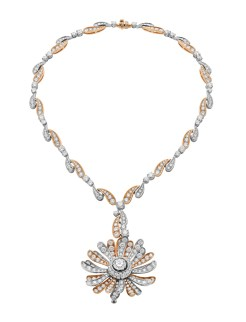 High Jewellery necklace in white and pink gold (convertible in brooch) with 1 round brilliant cut diamond (2.00 ct H VS2 ), 30 round brilliant cut diamonds (10.33 ct) and pavé diamonds (23.48 ct).