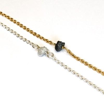 Rough Diamond armbånd i guld og sølv med hvid eller sort rå diamant