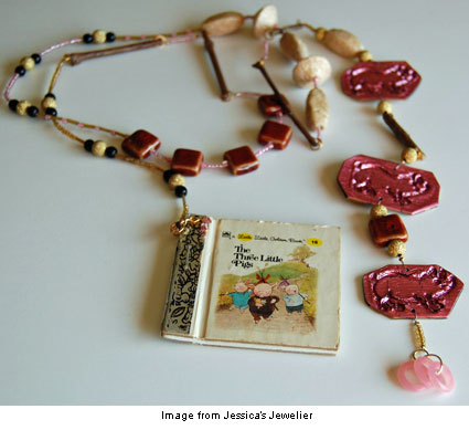 """lariat with the Three Little Pigs """"pendant"""""""