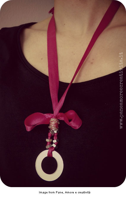 DIY necklace from ribbon and hardware