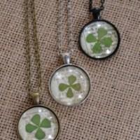 DIY Lucky Clover Pendant Necklace