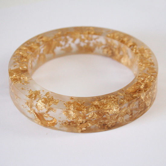 d001-gold-resin-bangle-dream-a-little-bigger1