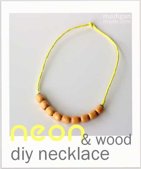 neon-diy-necklace-with-beads-and-raffia-08