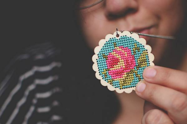 how to make a floral cross
