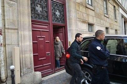 kim-kardashian-paris-attack-scene-1
