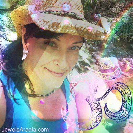 Jewels Aradia, Healer, Reiki Master, Intuitive, Seer, Reiki Training