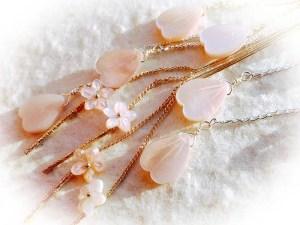 ピンクシェルの桜のピアス&イヤリング