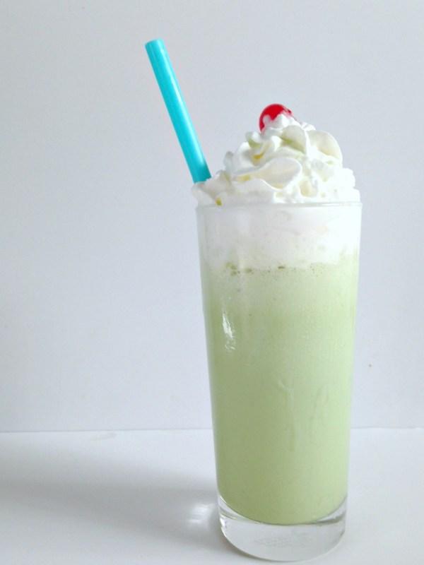 Matcha mint milkshake
