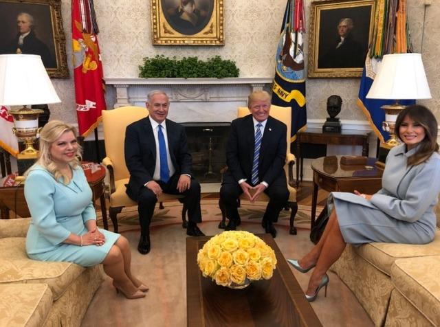 Hasil gambar untuk Trump welcomes Netanyahu to the White House