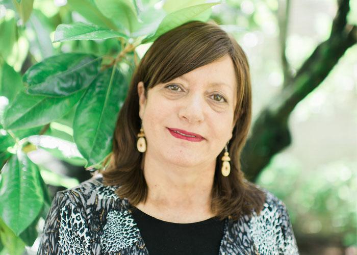 JLP Profile: Meet Deborah || Perfil JLP: Les presento a Deborah
