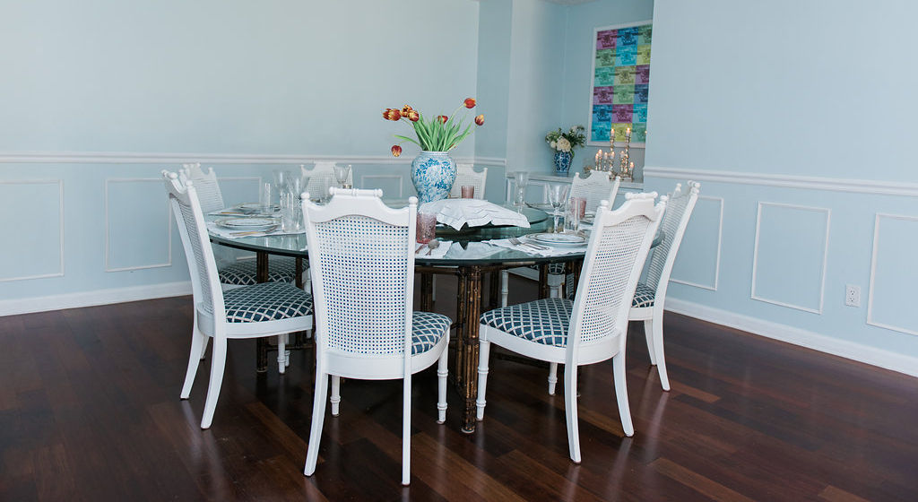 Dining Room in Glass Slippers by Benjamin Moore