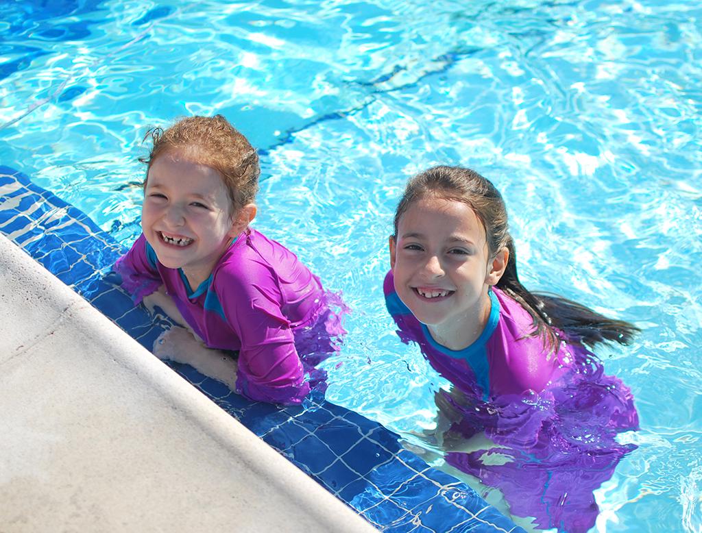 jewishlatinprincess-hydrochic-swimming
