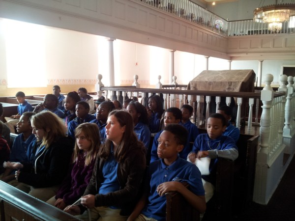 6th grade students learning about the historic Lloyd ...