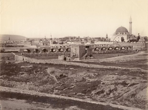 Белый рынок и мечеть Джеззар Паша