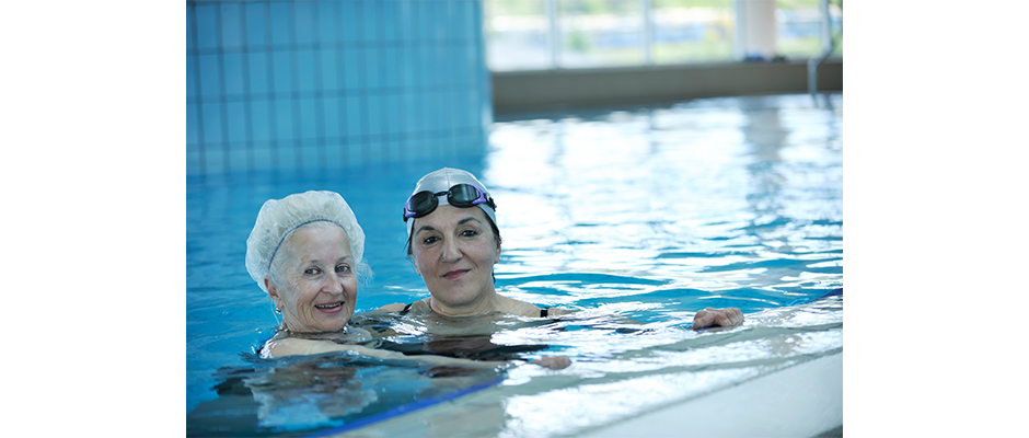 SeniorsSwimming940x400